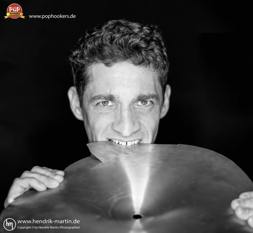 Schlagzeuger_sw-markant_farbiglogo_low_880